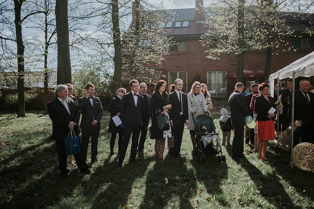 ślub cywilny w plenerze jarocin wielkopolska park