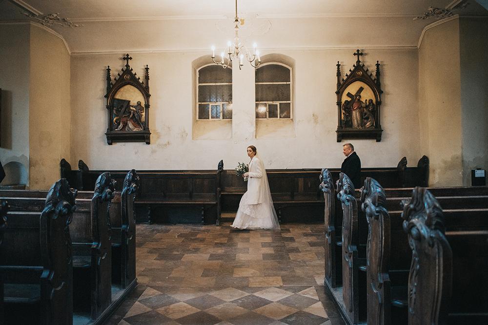 zimowy ślub w gdańsku kościół mikołaja
