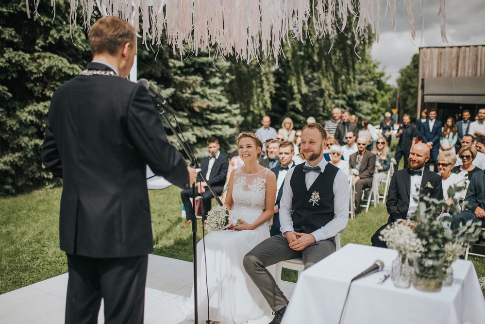 cosy intimate outdoor wedding poznań poland