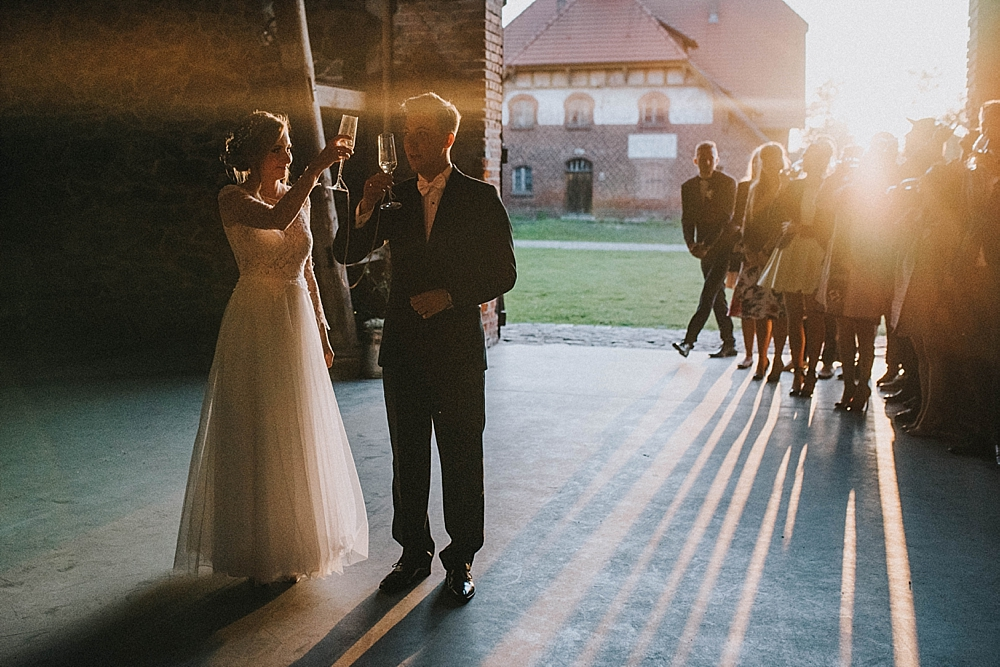 folwark wąsowo wrzesień ślub stodoła