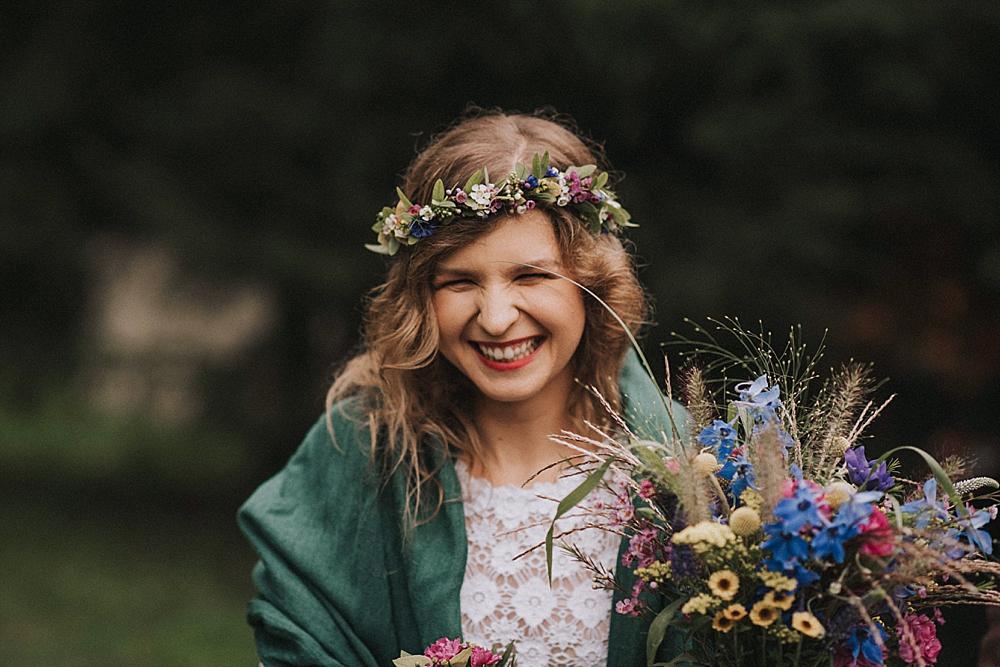 panna młoda wianek kwiatostany toruń polne kwiaty