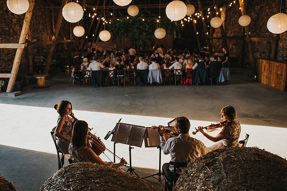 folwark wąsowo ślub w stodole muzyka na żywo stringarte quartet