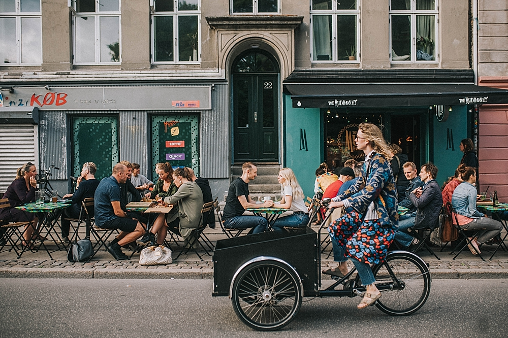 sesja w kopenhadze miasto kawiarnia norrebro rowery