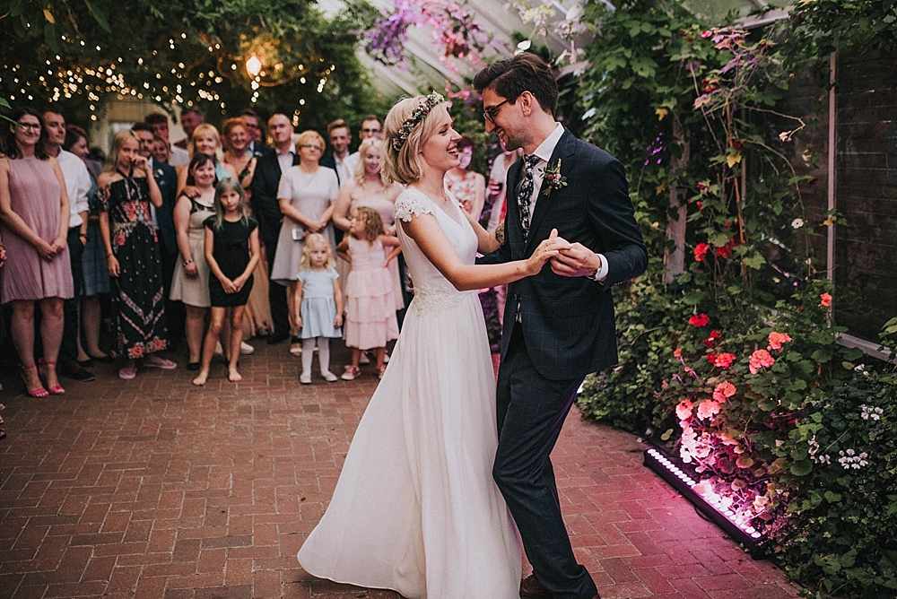 stara oranżeria w mrokowie wesele warszawa zieleń