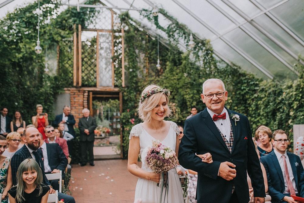 stara oranżeria w mrokowie ślub cywilny zieleń plener