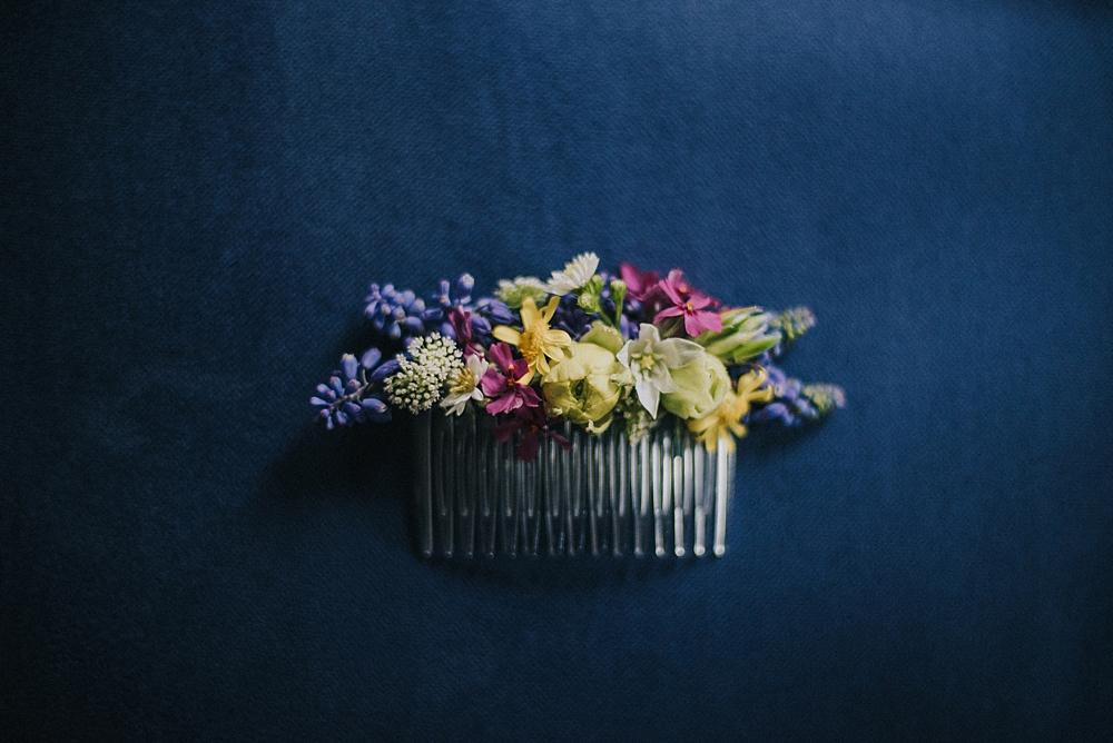 kwiatowa spinka do włosów