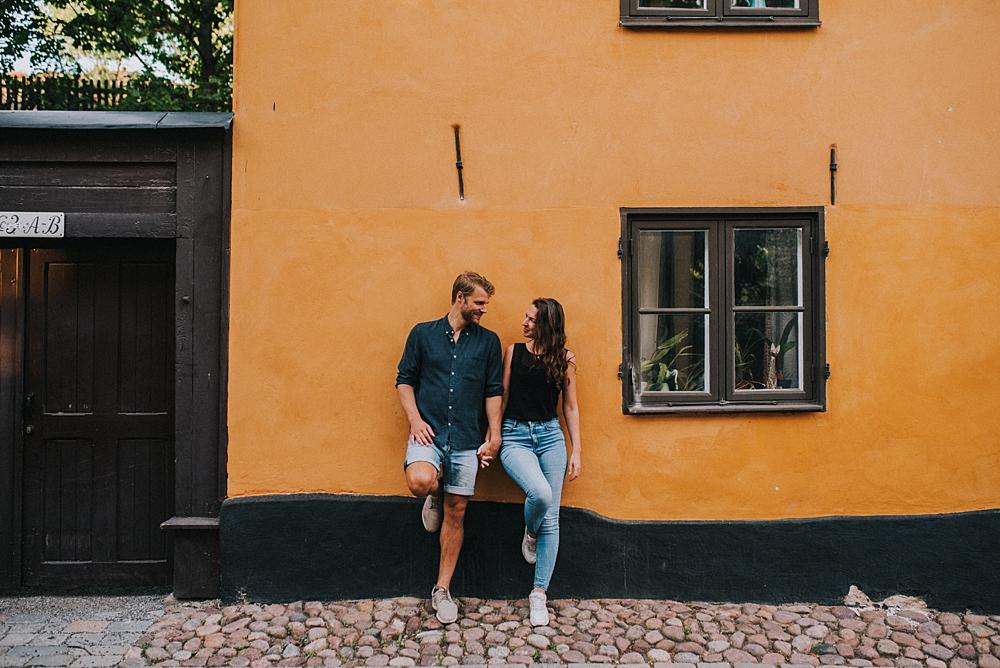 Bröllopsfotograf stockholm engagement session sodermalm gamla stan