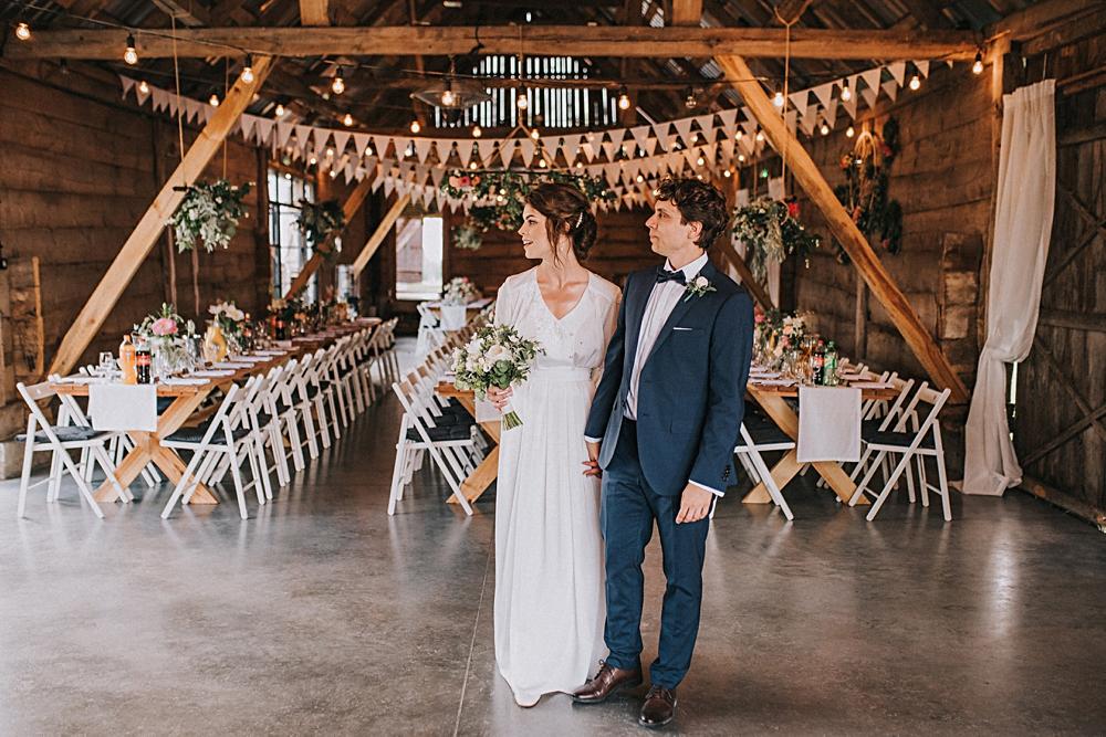 folwark ruchenka nowoczesna stodoła wesele rustykalne