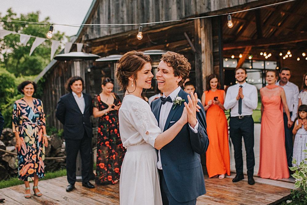 folwark ruchenka wesele w plenerze pierwszy taniec slow wedding