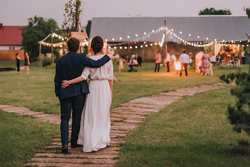 folwark ruchenka ślub w plenerze wesele w ogrodzie