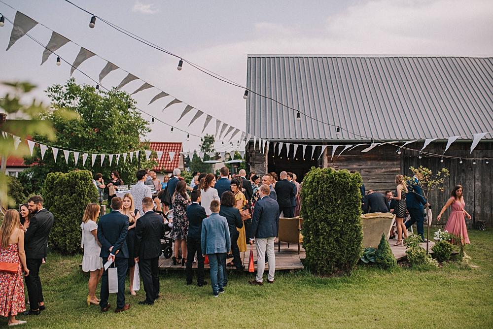 folwark ruchenka nowoczesna stodoła slow wedding wesele w plenerze