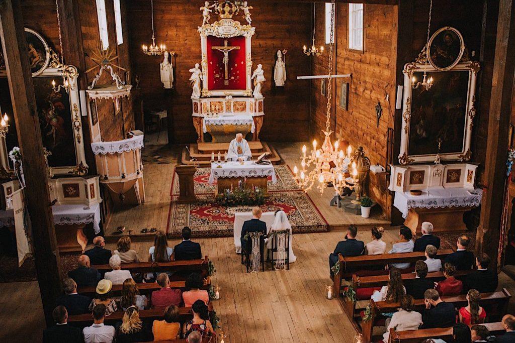 drewniany kościół w gogolewie ślub