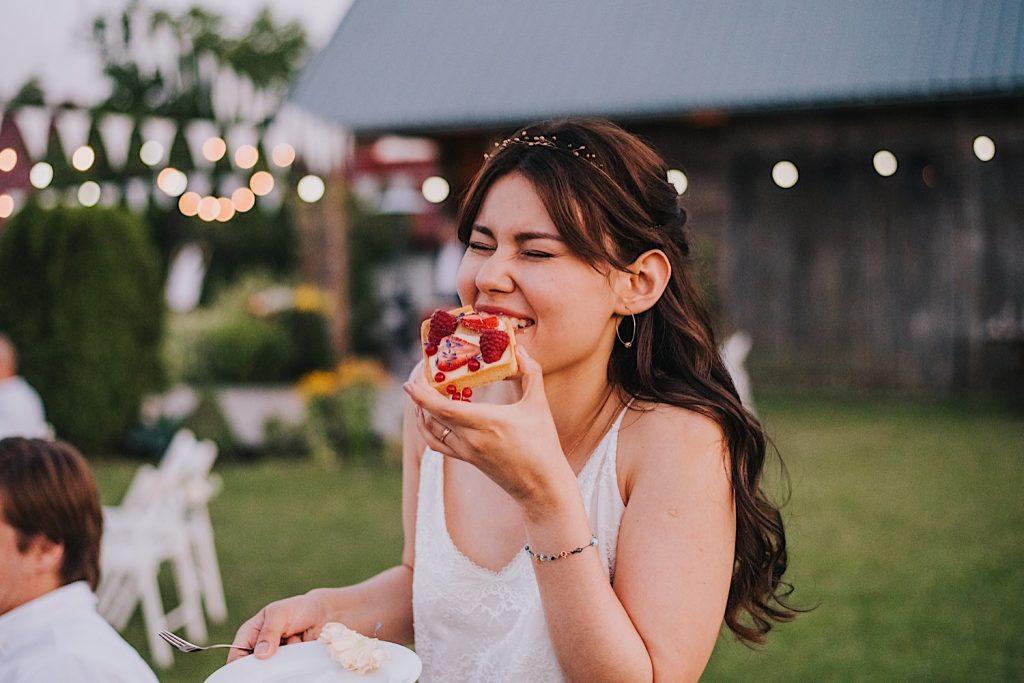 folwark ruchenka słodki stół ślub na luzie